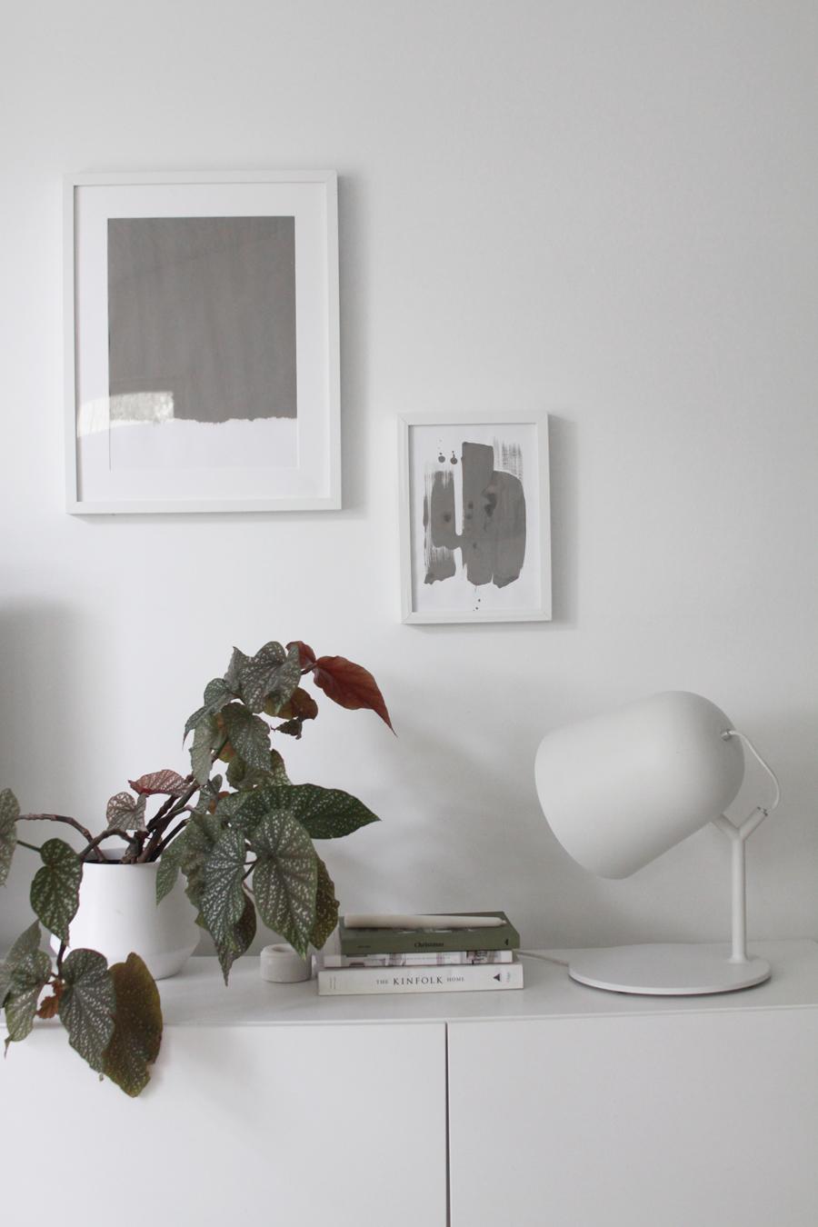 minimalistinen taulu