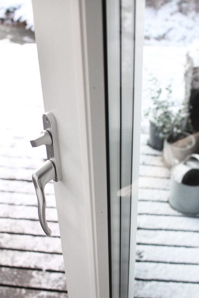 terassin oven vaihto